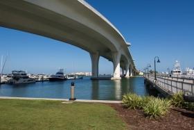Foto Der Woche – Der Clearwater Memorial Causeway von Clearwater Harbor in Florida