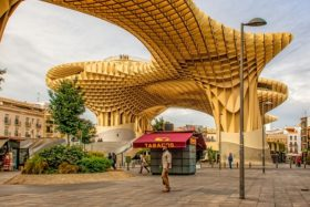 Video: Besuch des Metropol Parasol in Sevilla in Spanien