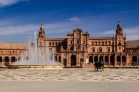 Video: Besuch Maria Luisa Park und Plaza de España in Sevilla Spanien