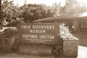 Sign Gold Discovery Museum and Visitors Center