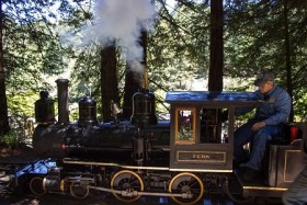 Video: Ride On Miniature Steam Train At The Redwood Valley Railroad