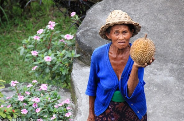 Photo Of The Week – Balinese Lady with the smelly Durian fruit