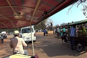 Video: Snippets Tuk Tuk Siem Reap (Str.Jean Commaille) to Angkor Wat