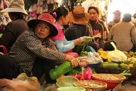 Video: Now That's a REAL Market: Old Market in Siem Reap