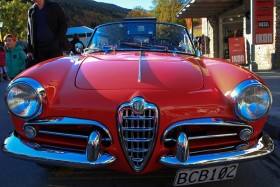 Video: Arrowtown Autumn Festival 2014 Display of Vintage Cars