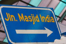 Video: The Bazar in Little India in Kuala Lumpur & Masjid India