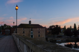 Photo Of The Week – Sunrise at the Town Bridge along River Nene in Peterborough in England
