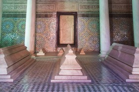 Video: The Saadian Tombs in Marrakech Morocco Things To Do In Marrakech