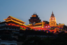 Photo Of The Week – Kek Lok Si Temple Penang Malaysia Display of Lights Chinese New Year
