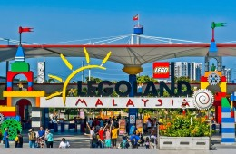 Video: Visit Legoland Malaysia Theme Park and Water Park Johor Malaysia