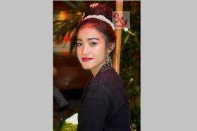 Photo Of The Week – Silk Weaver at Jim Thompson House in Bangkok