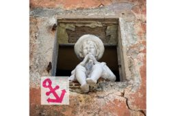 Photo Of The Week – The Boy in the Window in Gourdon in France