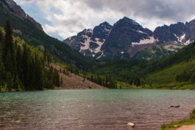 Video: Exploring the Maroon Bells near Aspen in Colorado