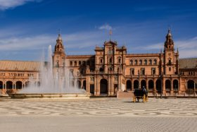 Video: Visit of Maria Luisa Park and Plaza de España in Seville Spain