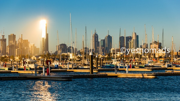 St Kilda Watefront and Skyline of Melbourne
