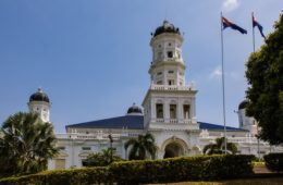 Video: Visit of Sultan Abu Bakar Mosque in Johor Bahru in Malaysia