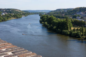 Video: Visit and view of scenic Vysehrad Fort in Prague